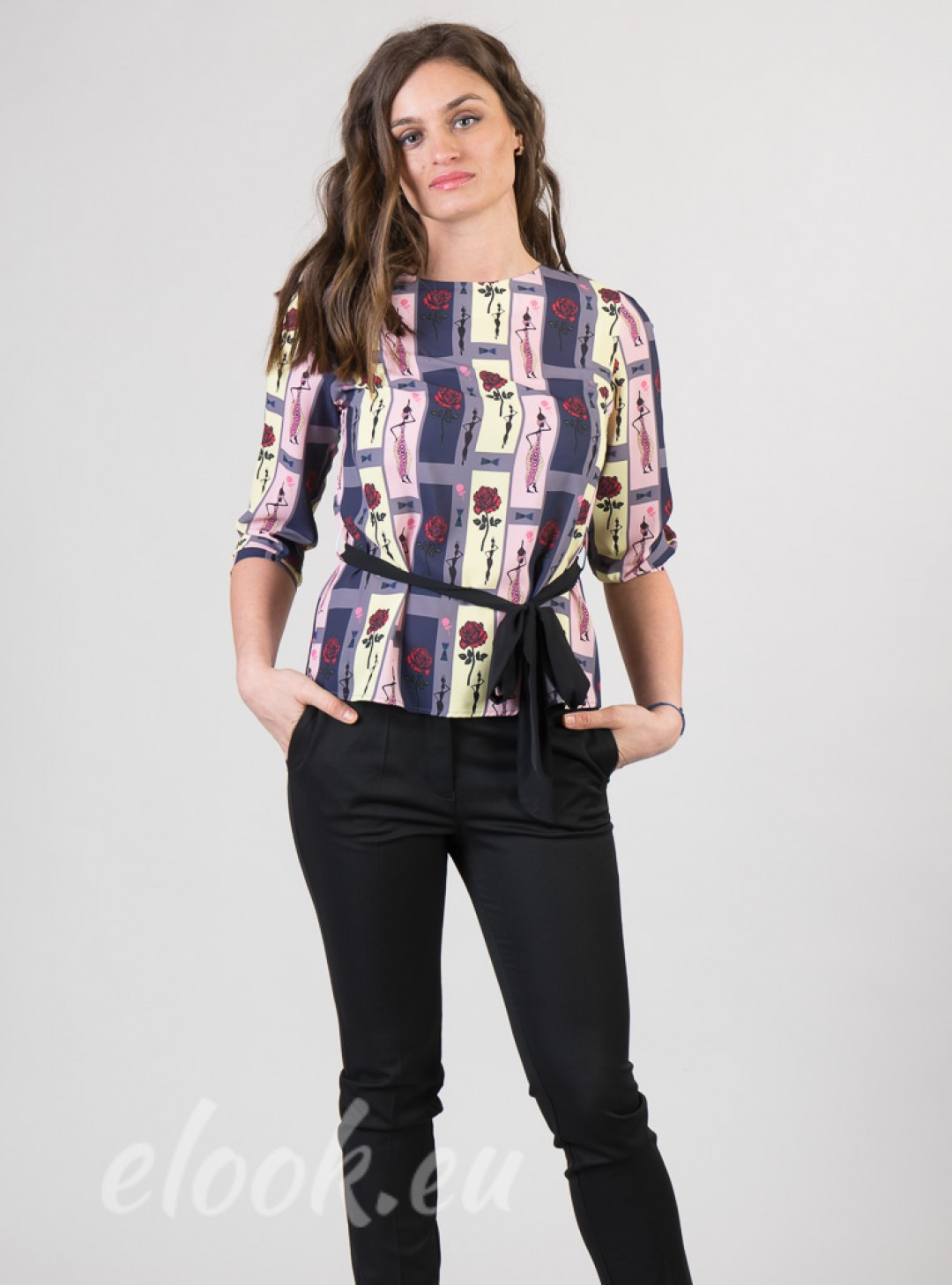 Blouse in color stripes and pr...