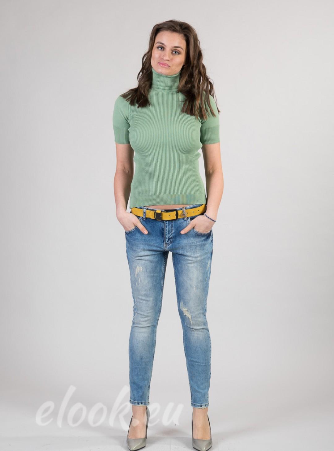 Jeans with Boyfrend line, spec...
