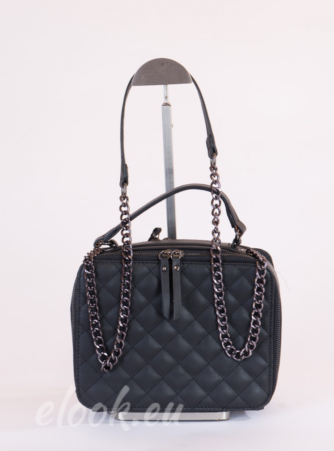 Bag-shaped briefcase and long handle from chain