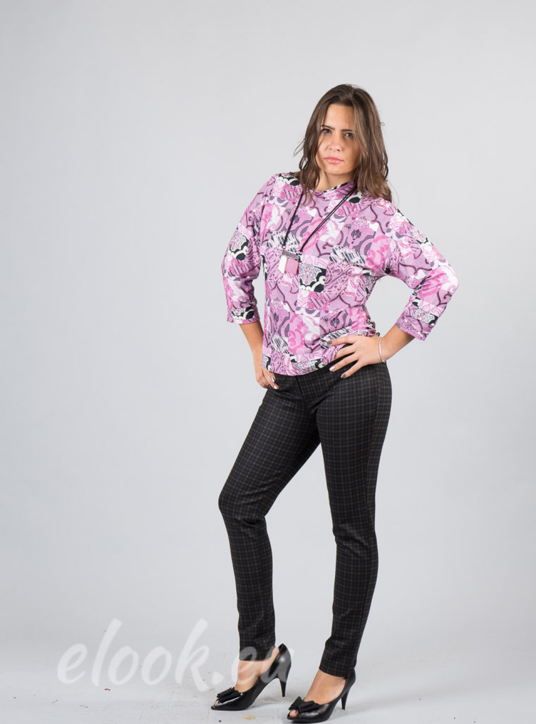 Blouse with superimposed geome...