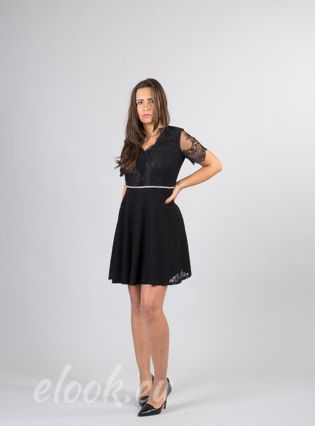 Dress with short sleeves flare...
