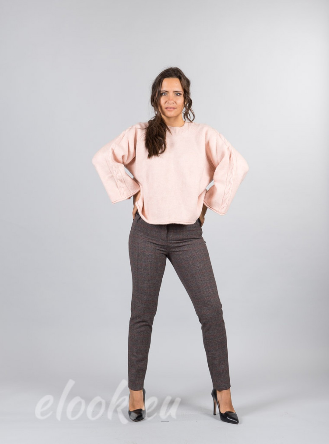 Fine-textured leggings and wid...