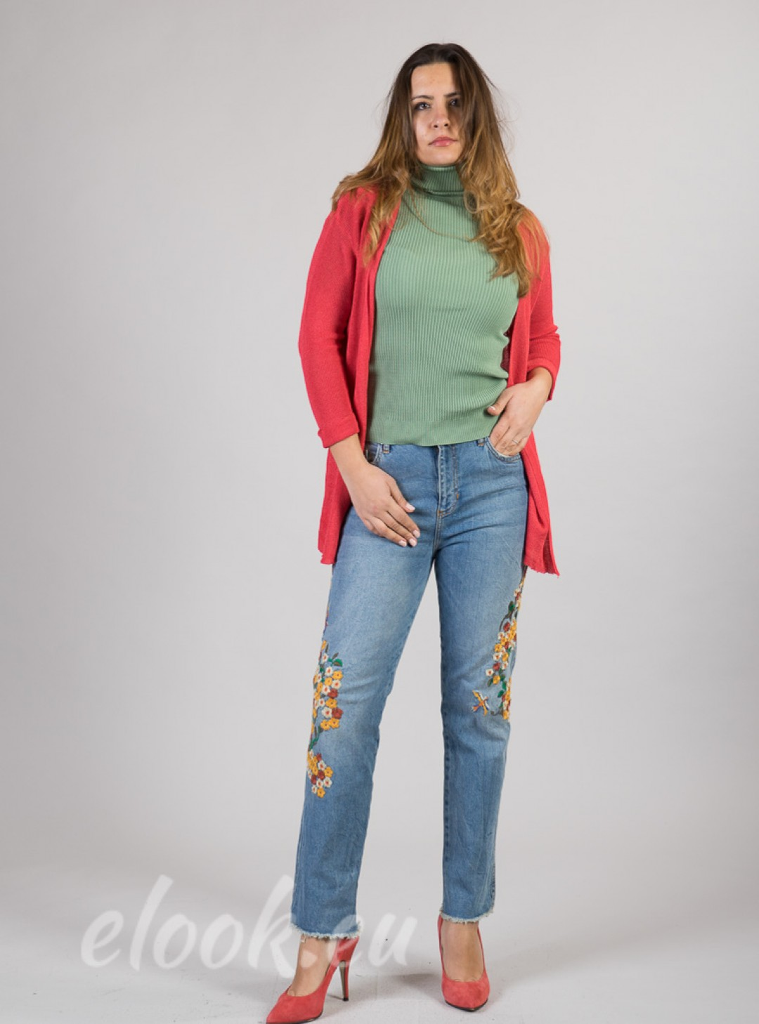 Jeans with exceptional rich em...