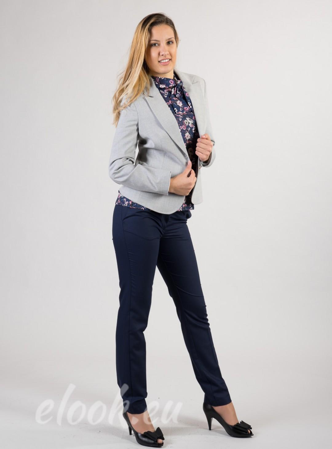 Fitted blazer with sharp lapel...