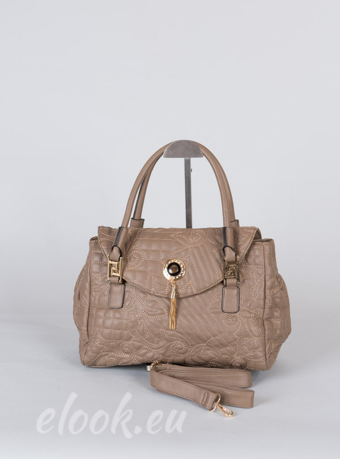 Bag with classical shape and d...