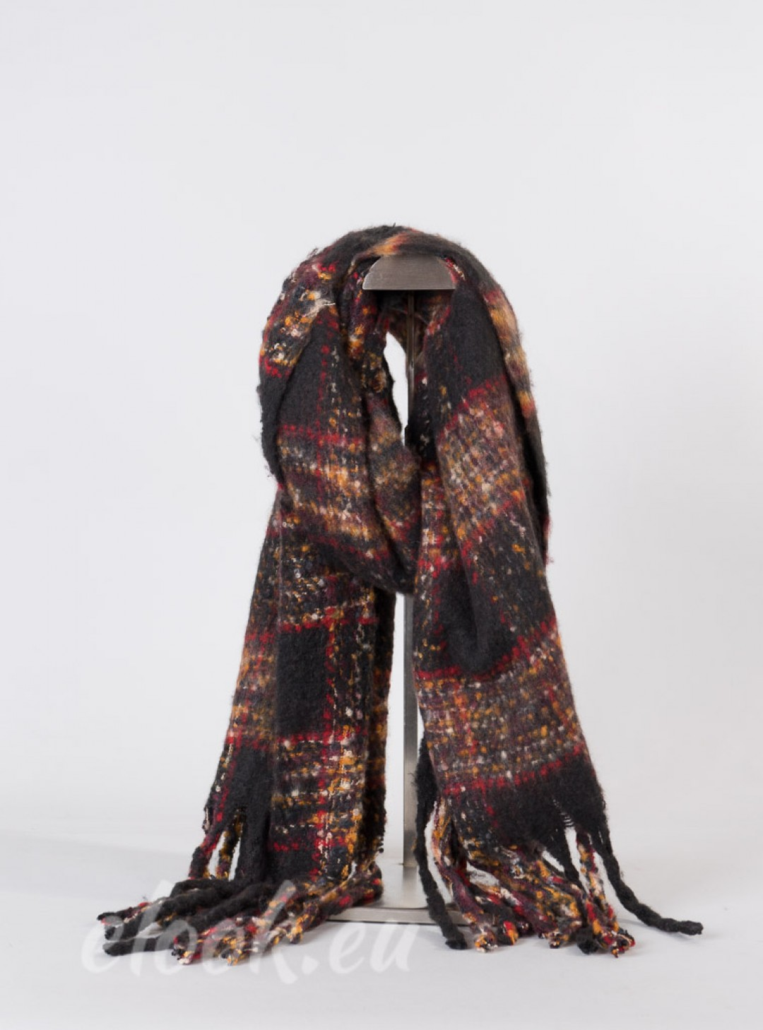 Scarf with coarse plaid, fring...
